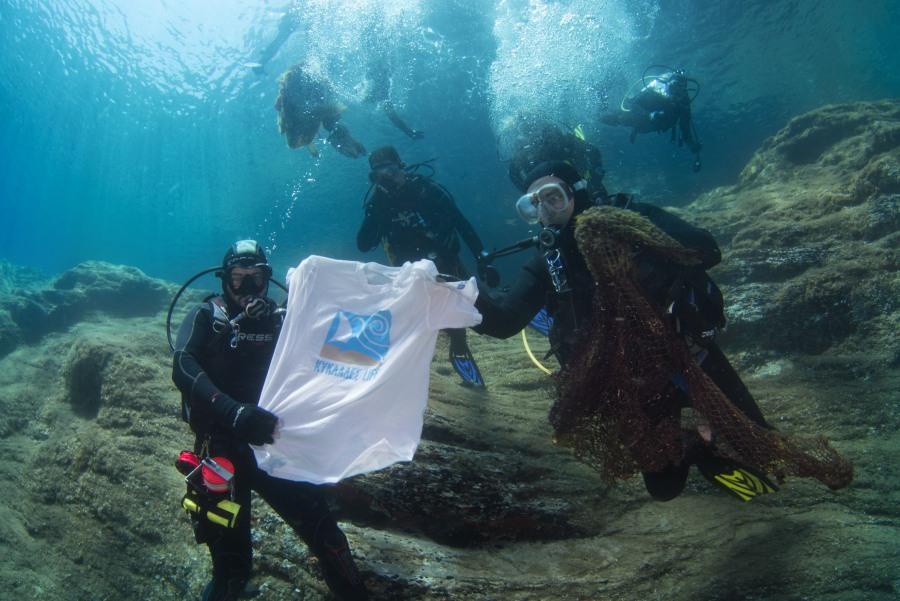 Η υποβρύχια ομάδα σε αποσυμπίεση. Φωτό: Γ. Ρηγούτσος
